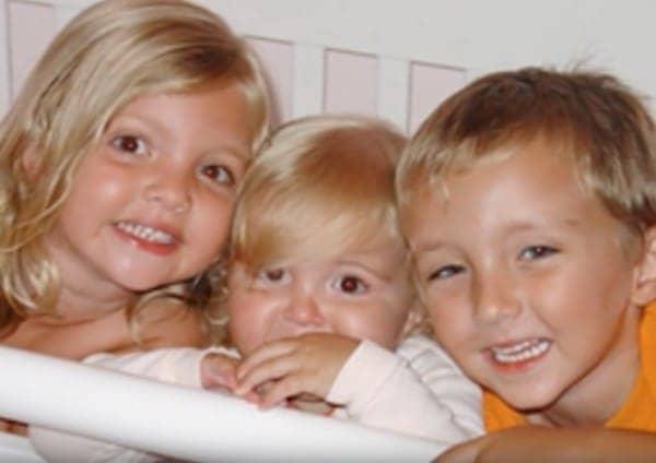Un trágico accidente automovilístico mató a los tres hijos de esta familiaUn trágico accidente automovilístico mató a los tres hijos de esta familia