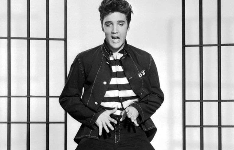 como se ve el nieto de Elvis Presley